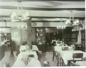Hotel Zur Sonne Innen2 AK, um 1930